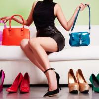 How to Buy the Perfect Fall Handbag